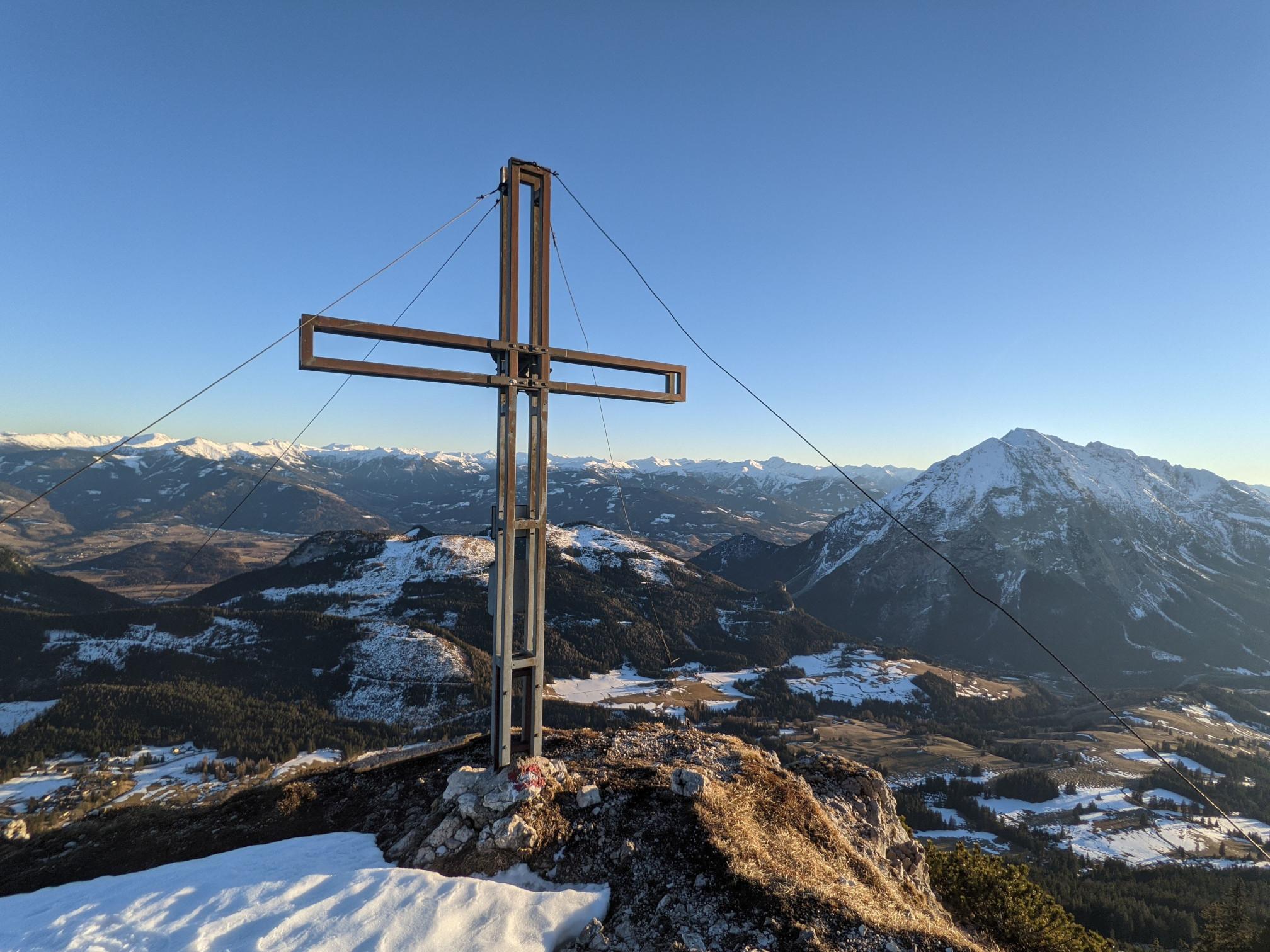 Hechlstein Summit Cross